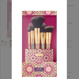 Tarte Face and Contour set of brushes.